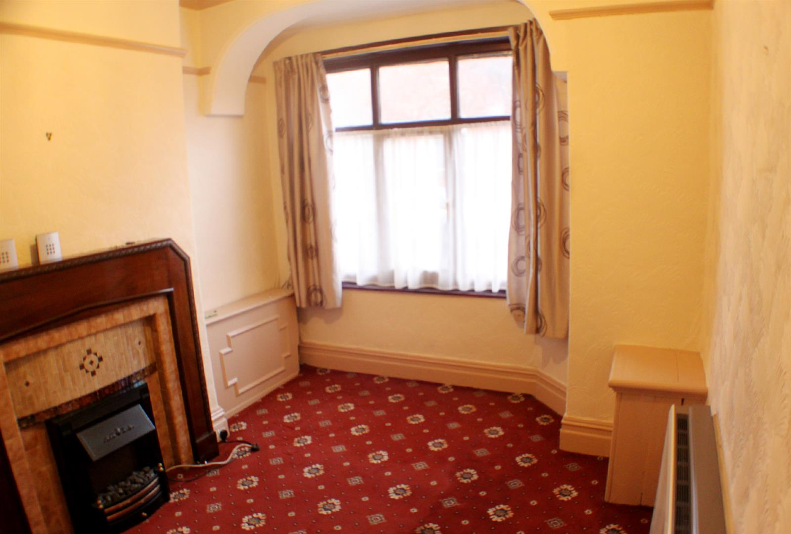 2 Bedrooms End Of Terrace House for sale in Bright Road, Eccles, Manchester